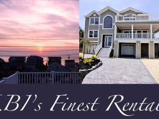 Luxurious Beach House - 9 Houses From Beach - Full Bay Views w/Rooftop Deck!