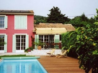 Beautiful Villa W/Pool in Most Charming Suburb of Avignon