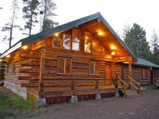 Rustic log home. Room for the entire family!