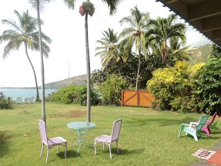 Right on the bay, clean, cozy, eco-friendly, 2BR, 5 bed, Wifi, cable TV. Nirvana