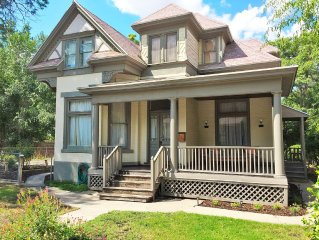 Historic Manor House 4 Blocks from Convention Center!