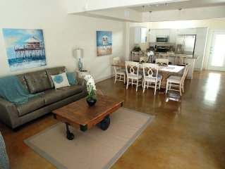 Fully furnished 3 bedroom 2 1/2 bath townhouse * Sleeps 8 * Pet friendly!