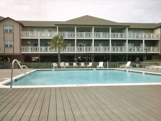 6 BR/4BA Beautiful Oceanside Condo-AUGUST 19-26 GREAT REDUCTION $2400