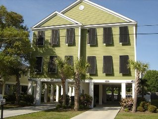 Surfside Beach 5 BR/4 BA - Steps to Beach, great for Families!