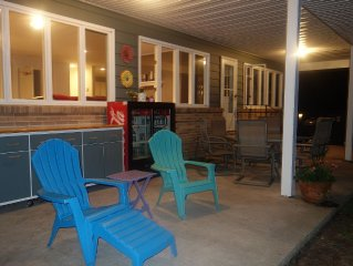 6 Bedroom Home on Gorgeous Lake Huron - Perfect Family Getaway