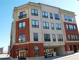 Downtown Greensboro Condo - close to coliseum, aquatics & courthouse