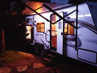 25ft RV, 'Sport'  *The EvansCliff, No Hassle RVing, Pet Siting On-Site