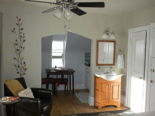 Exceptional!  Must See!  Sunny Studio  Top Location, Private Balcony