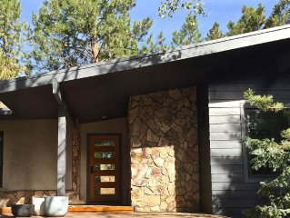 Stargazer! Mid-century Modern Bluebird Day Luxury. Westside, Bikes, Hot tub!