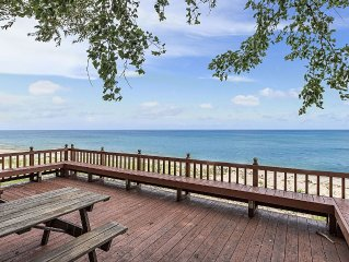 Beachfront Modern Home Walk to Cedar Point Includes Paddle Boards and Kayaks