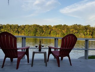 Homosassa Riverfront Retreat - Relax & Enjoy!