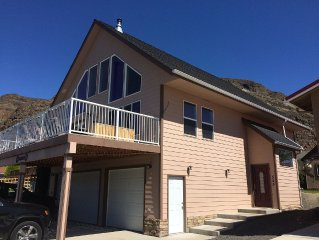 Beautiful Sunland Home close to Gorge Concerts, Wine Tasting, River Recreation!
