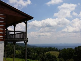 Fabulous cabin with extraordinary view 7NC/VA counties call owner before booking