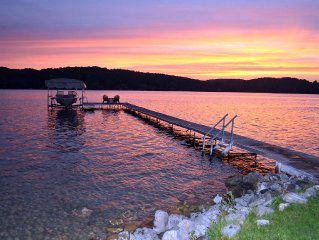 THE PERFECT VACATION!! Lovely Cottage w/spectacular sunsets, hot tub.