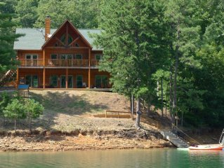 Lakefront Luxury Log Home on Scenic Fontana Lake by Smoky Mtns
