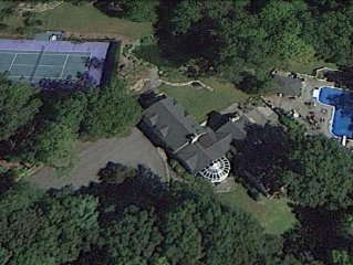 Secluded Property; Private Pool, Hot Tub, Koi Pond and Tennis Court