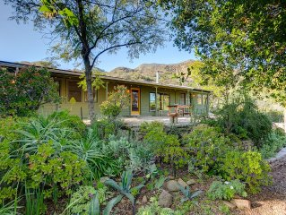 Discover Nature And Serenity In This Stunning  Modern Cabin In Glorious Ojai