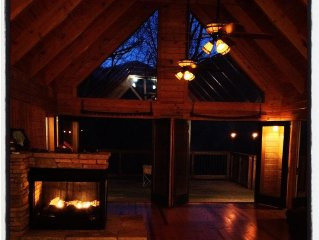Gorgeous, Peaceful Cabin near Table Rock and Caesars Head State Parks.