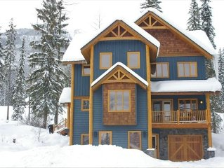 Beautiful Open 4 bedroom + Loft Chalet.  2 Weekends in January Still Available!
