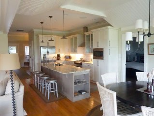 Premier Inlet Cove Cottage with River View– A Splendid Retreat, Community Pool!