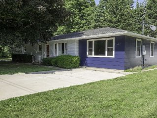 Charming Harbor Country 3 Bdrm, 2 Bath with Private Pool