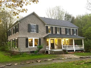 3 Br Antique Farmhouse w/ Gourmet Kitchen - Farmstay - 2 Acres, Chickens, Sheep