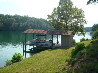 Affordable Waterfront Cottage near base of Smith Mountain, Great Views