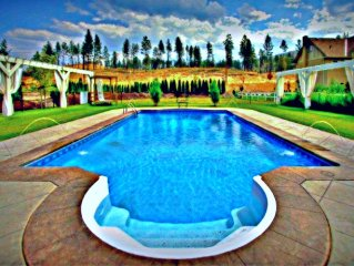 Private Home With Luxury Saltwater Pool Near Summerhill & CedarCreek Vineyards