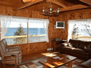 Superior Solitude Private and Charming Cabin on Lake Superior