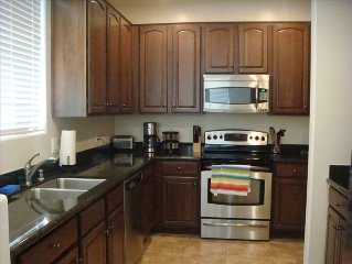 Townhome Close to Baseball Spring Training, Golf, Hiking.