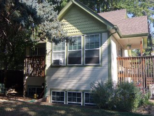 Old Town - Beautiful 2 Bedroom; Walk/Or Ride Your Bike To Old Town