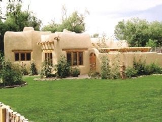 Gorgeous Architect designed Taos Adobe 1,200 Sq.Ft. Guest House Near Town Plaza