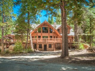 5-STAR Secluded Luxury Lodge~ pool table and roof top deck!