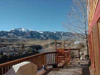 Grizzly Den -  Above the River! Views! 6 Blocks from Yellowstone Park