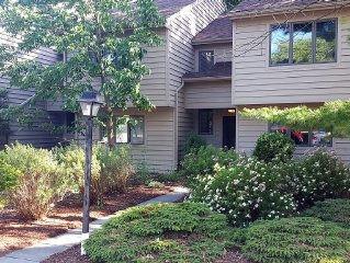 3 Bedroom Townhouse in scenic Bristol Harbor Village