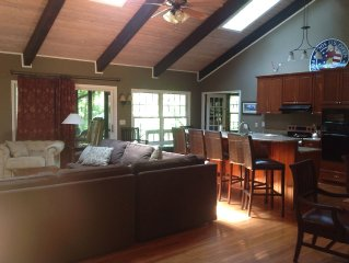 3400 Sq. Ft., New Kitchen, 4 BR, 4 BA, Sleeps 12+ beds