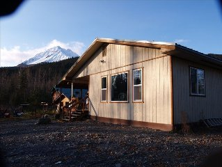 Alaska View Lodge Fronts Glacier Creek-Rugged Mountain Views
