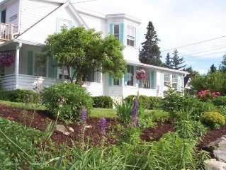 Awesome Maine 5BR Cottage & 1/1guest Cottage **Harbor Views**