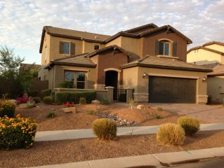 5br 4 Baths - Beautiful Spacious Gilbert Home In Quiet Neighborhood!!