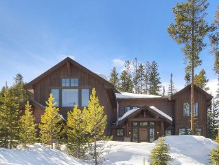 Ski Hill Lodge - 2 blocks to Skiing - Luxury Lodging - Shuttle To Town - Hot Tub