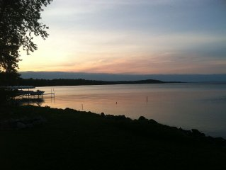 Beautiful Elk Lake Home 15 Min From Traverse! Newly Renovated, Sleeps 17 In Beds