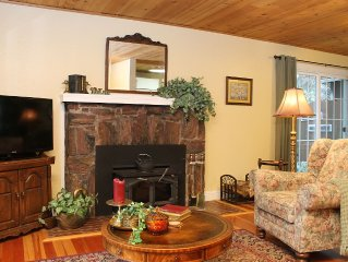Romantic Getaway- 5 minutes walking distance to Historical Downtown Grass Valley
