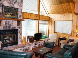 Dancing Bear Den - Lake View, Knotty Pine, Pets Welcome