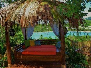 Jungle Love!, Private, Romantic Eco-Luxury Cottage, Hot Tub, Kayaks, Cabana