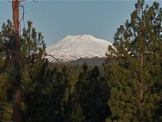 Amazing Mt. Bachelor Views From This Top Floor 2 Bedroom Loft Condo at 7th Mtn.
