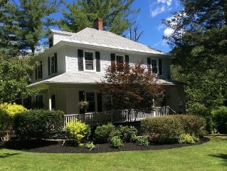 1898 Refurbished Farmhouse - Easy walk to Lenox center.