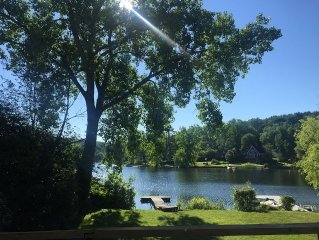 Lovely Lakefront Cottage, Peaceful Setting, Hiking And More