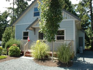 Luxurious Parksville Cottage