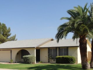 Comfortable 3 BR 2 BA W/Pool in Quiet Neighborhood