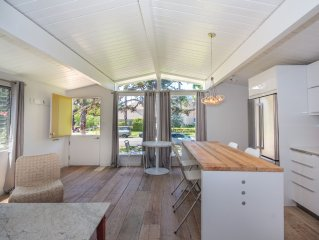 Available July 15th - 30th! * 2 Bedroom Cottage In The Heart Of Santa Monica!